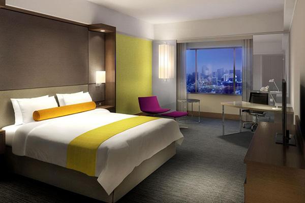 Crowne-Plaza-Bangkok-Lumpini-Park-Hotel